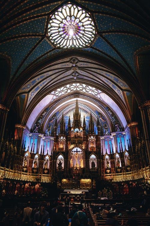 Notre Dame. Photo: Xiaoyu Chen. Form pexels.com