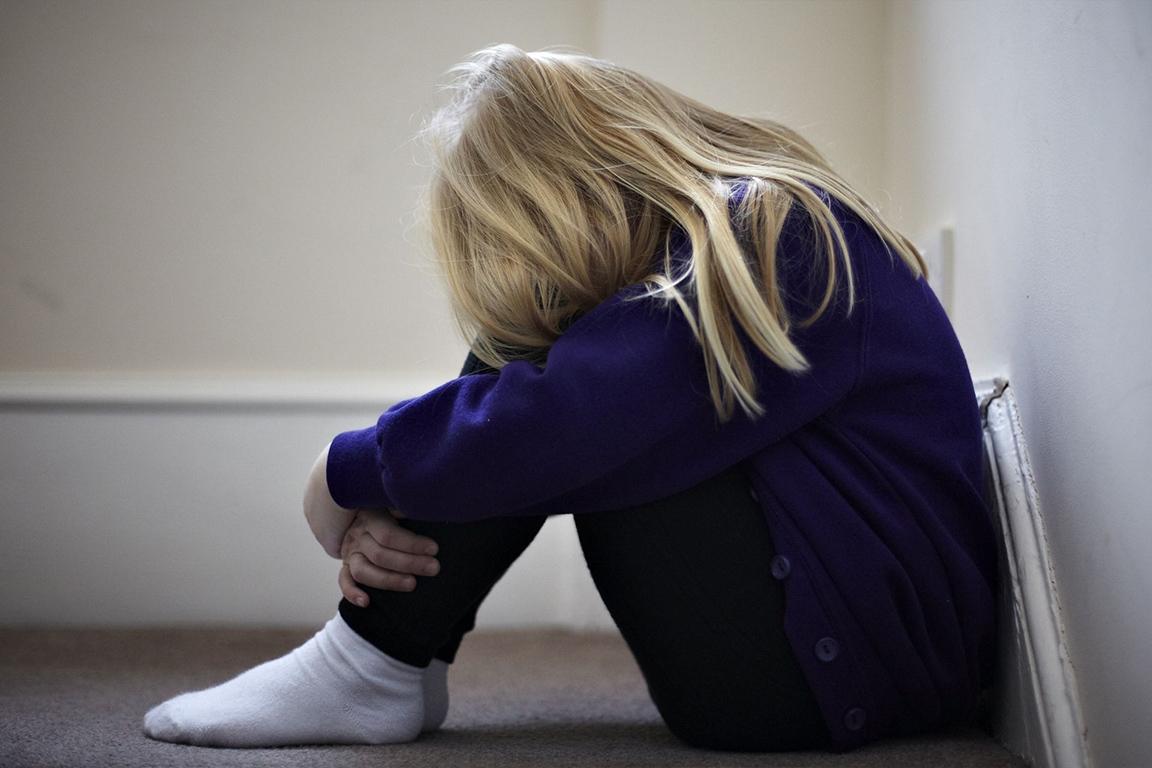 荷兰莱顿一男子在脸书直播虐童,引全网震怒