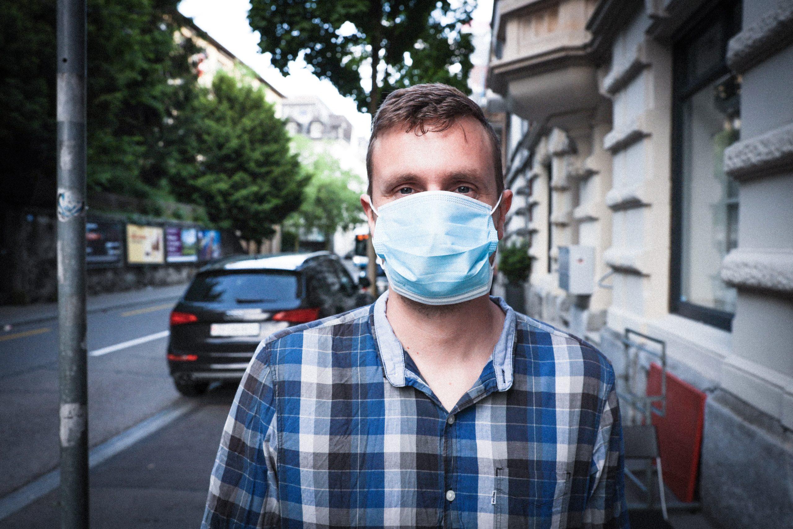 """确诊人数近三万,邻国都开始呼吁戴口罩了,而荷兰准备""""头铁""""到底?!"""