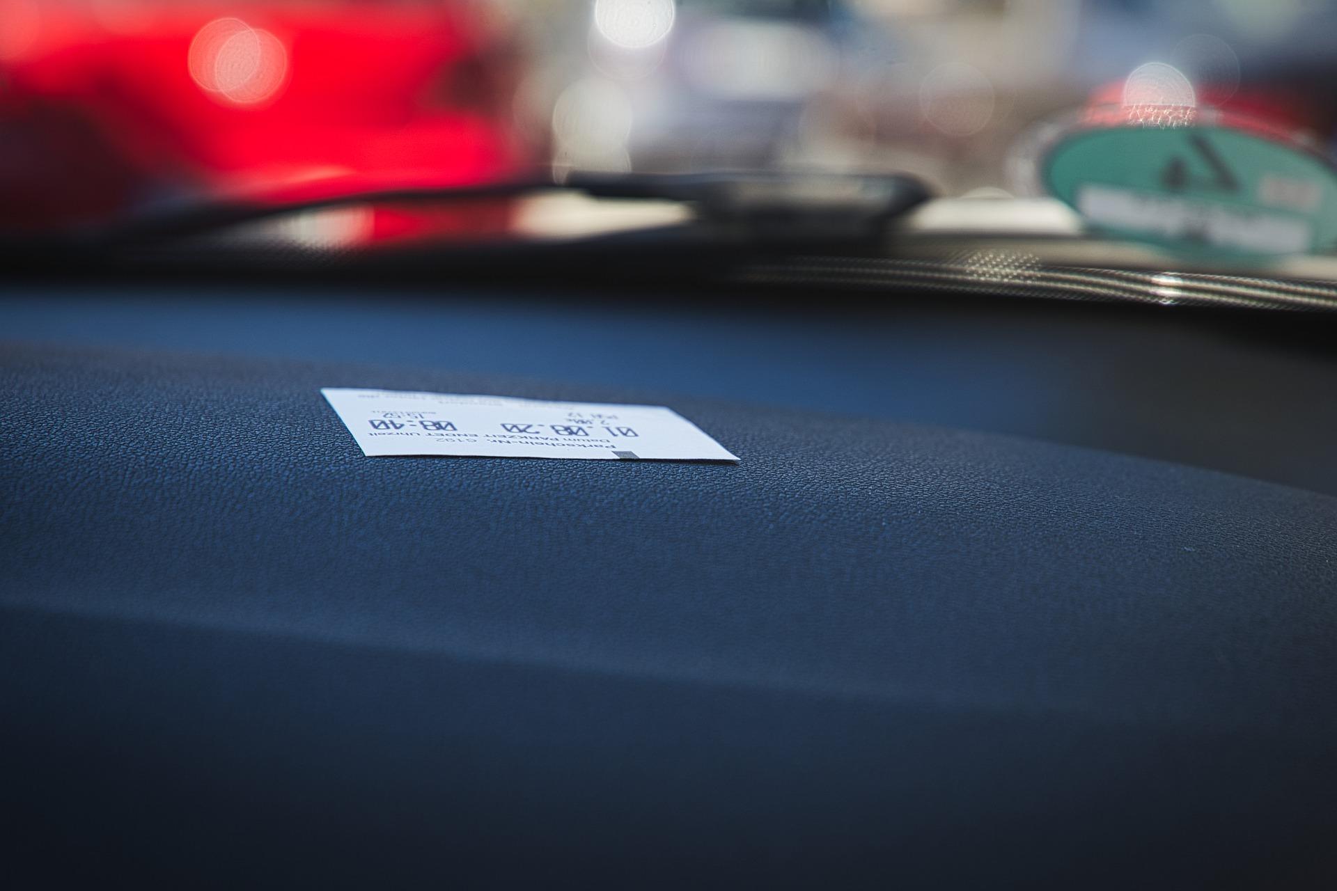 荷兰司机注意了,一个举动让你被罚240欧!新冠数据逐渐乐观